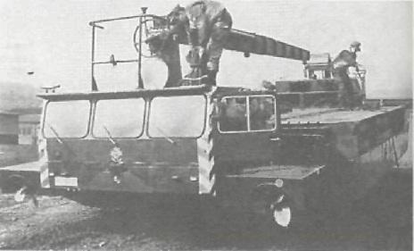 Автомобиль-амфибия модели М-2 для наводки мостов и переправ.