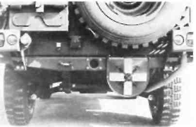 Машина бундесвера со светомаскировочным устройством.