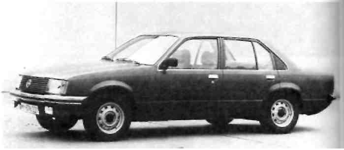 Легковой автомобиль среднего класса 2 ''Опель Рекорд Е'' 2 л. Выпуске 1977 г.