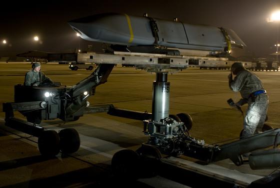 ВВС США получили первую партию серийных КР JASSM-ER Фото с сайта http://www.armstrade.org