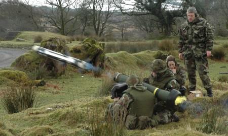 """Пуск противотанковой ракеты комплекса """"Javelin"""". Фото """"Wikipedia"""""""